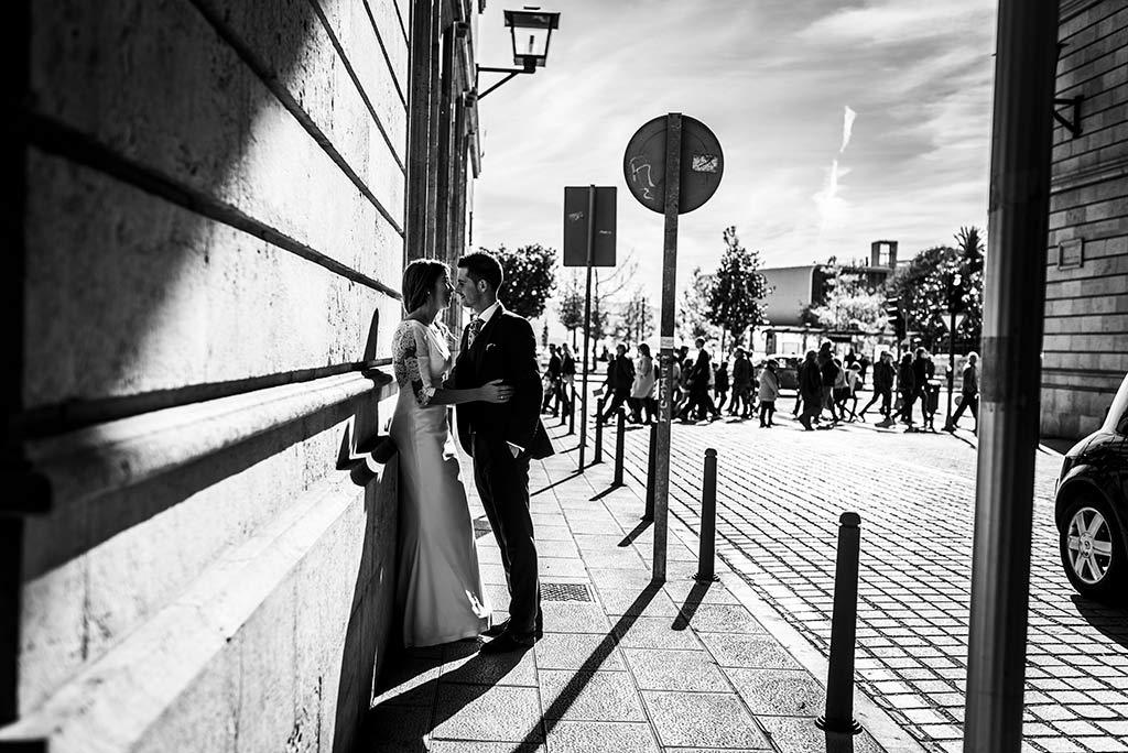 fotógrafo de bodas Cantabria Ana y Mario callejeando