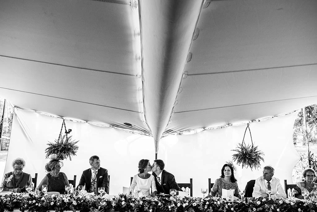 fotógrafo de bodas Cantabria Ana y Mario comedor