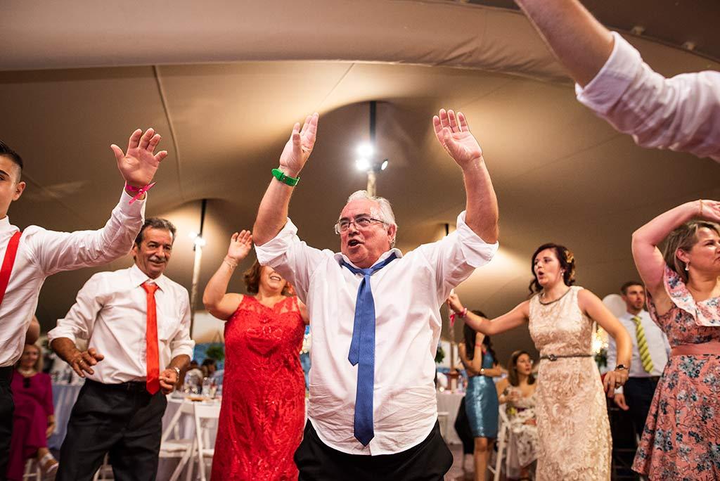 fotógrafo de bodas Cantabria Ana y Mario invitado fiesta