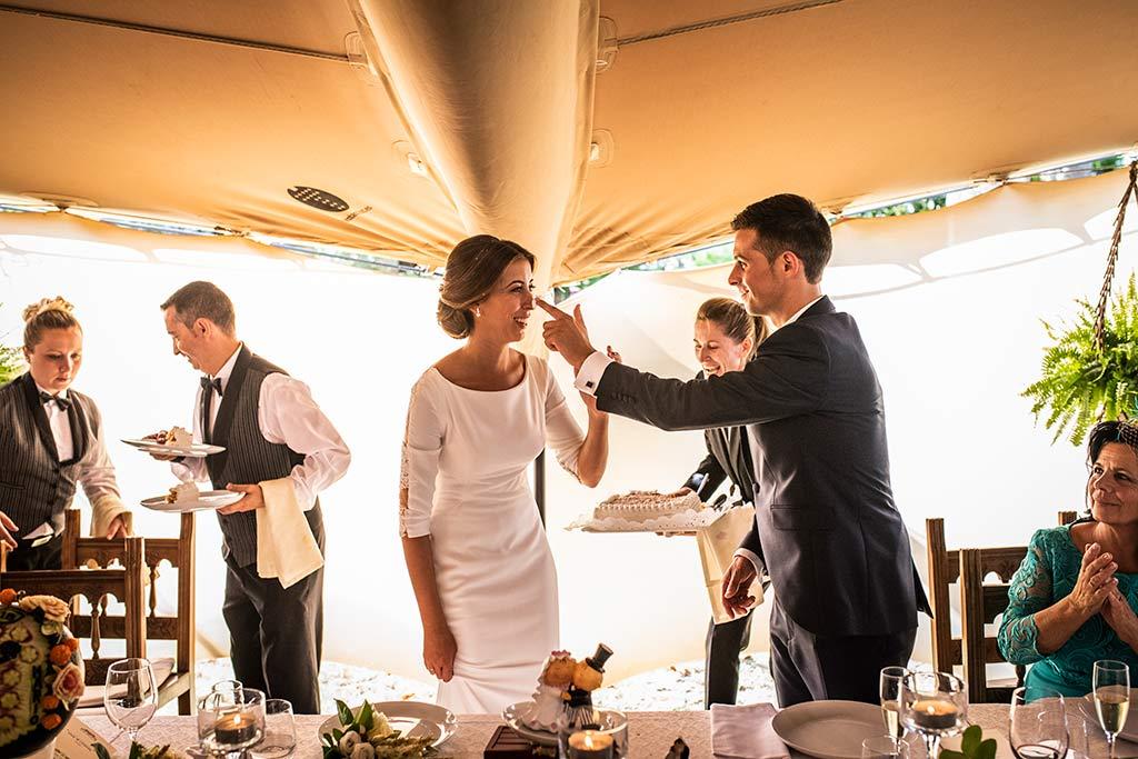 fotógrafo de bodas Cantabria Ana y Mario tarta