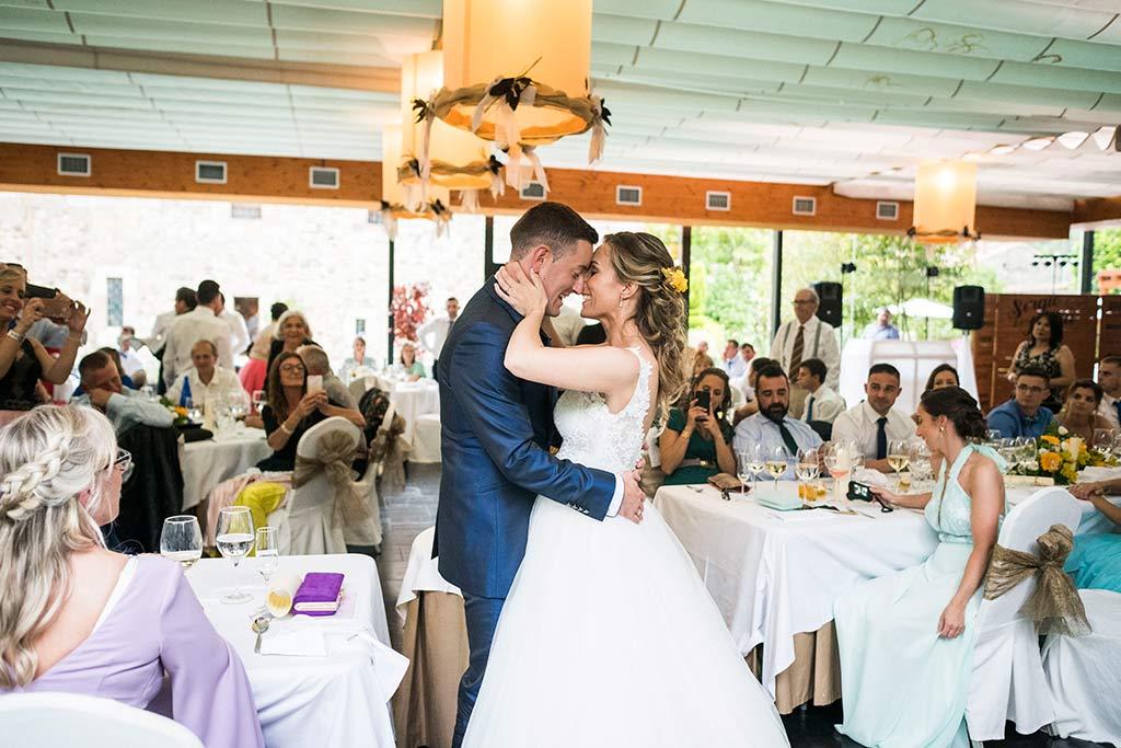 Fotógrafo de bodas Cantabria Marcos Greiz, Katia y Sergio tarta