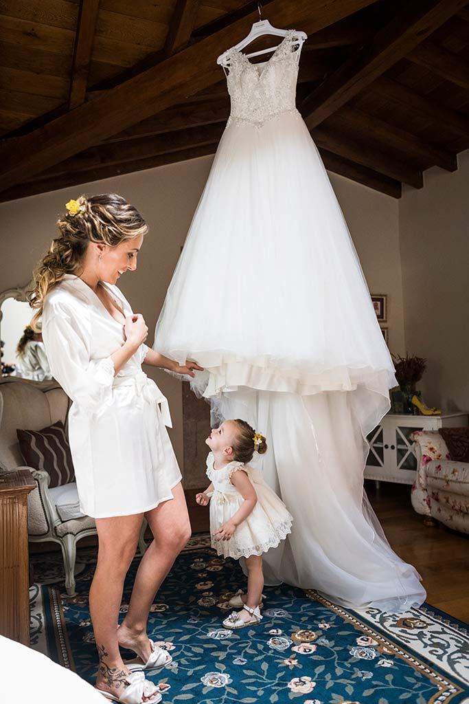 Fotógrafo de bodas Cantabria Marcos Greiz, Katia y Sergio vestido mamá