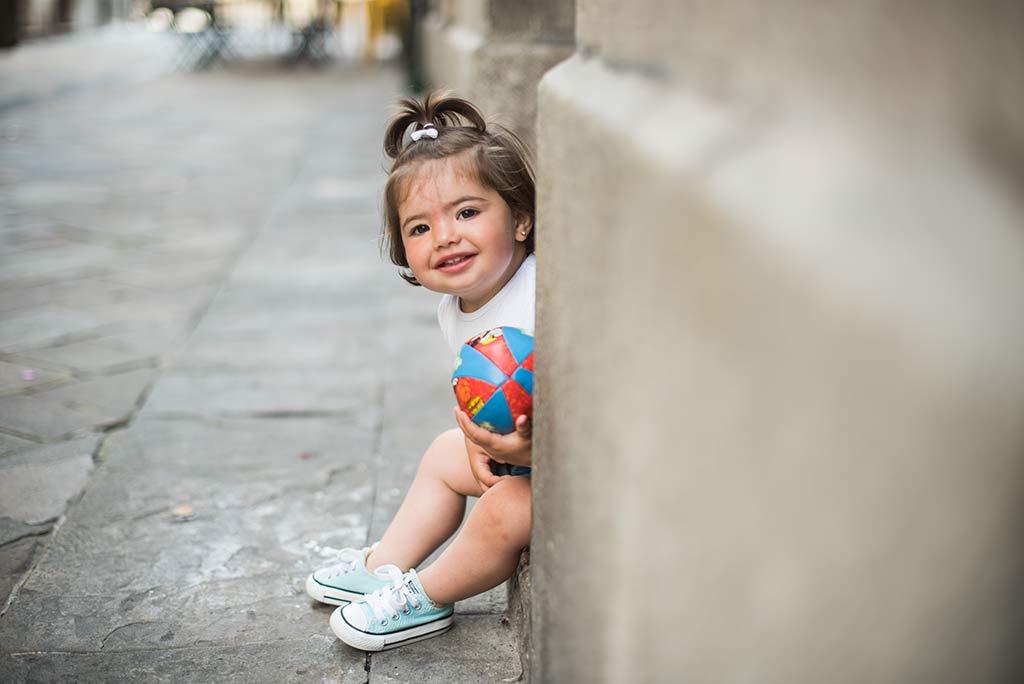 fotos de niños Santander Marcos Greiz Lia sentada