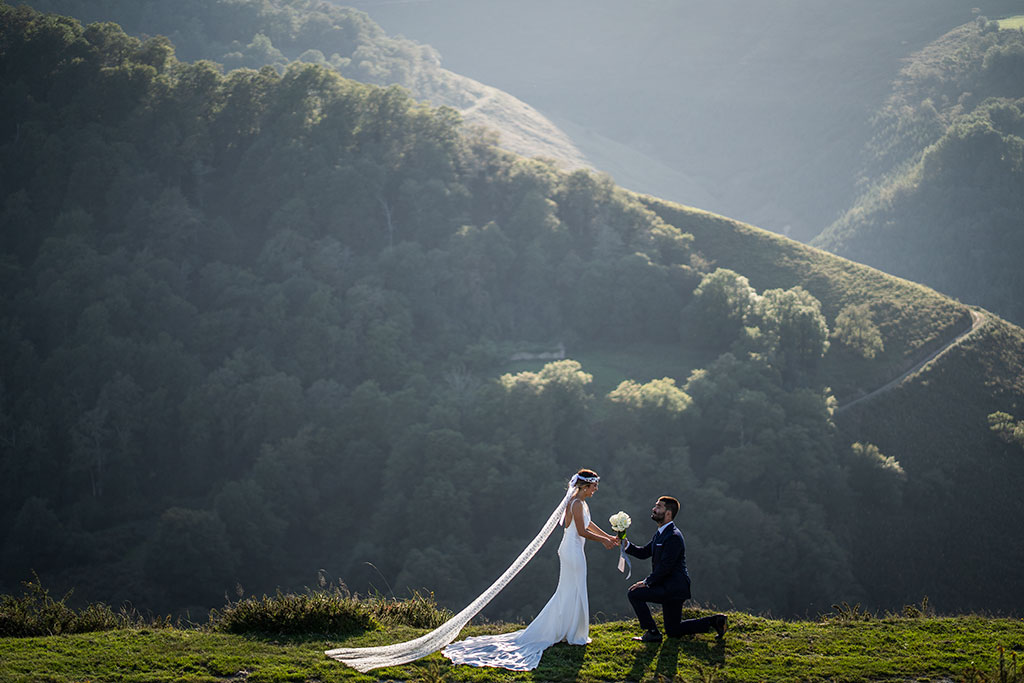 Fotógrafo de bodas Cantabria Marcos Greiz rodilla