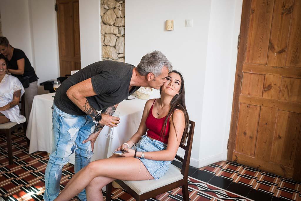 Fotógrafo de bodas Santander Marcos Greiz Noe Ricardo beso hija