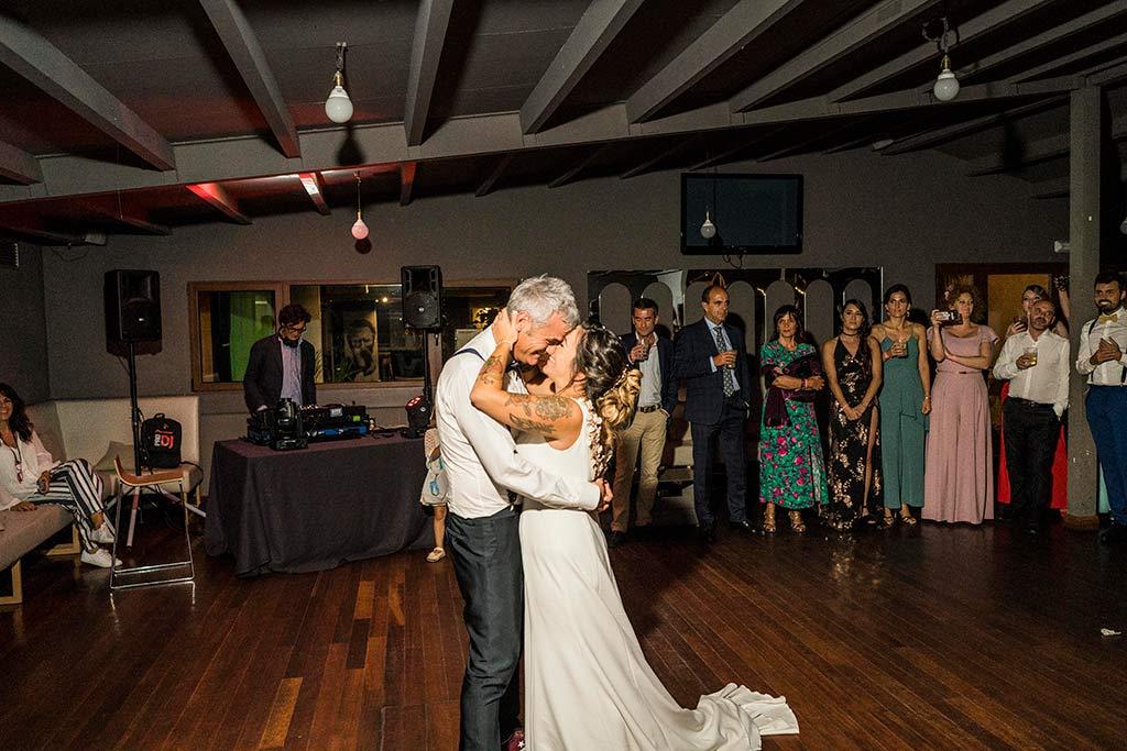 Fotógrafo de bodas Santander Marcos Greiz Noe Ricardo primer baile novios