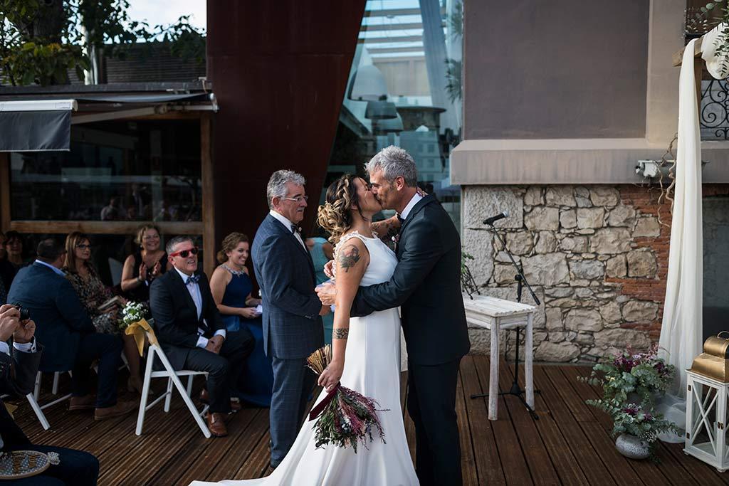 Fotógrafo de bodas Santander Marcos Greiz Noe Ricardo beso
