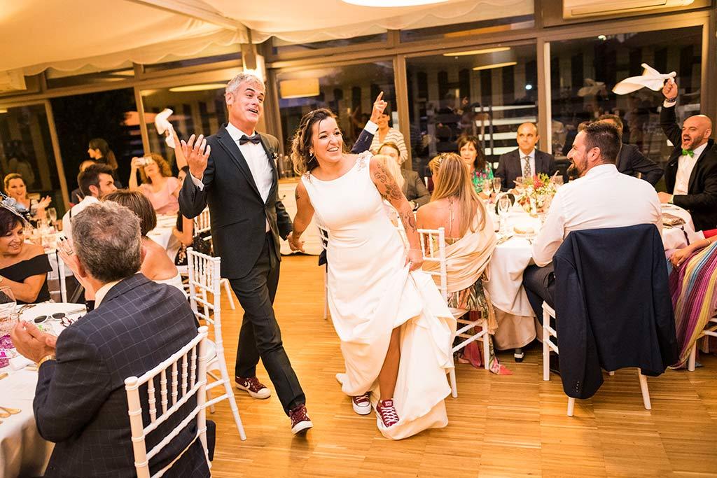 Fotógrafo de bodas Santander Marcos Greiz Noe Ricardo entrada novios