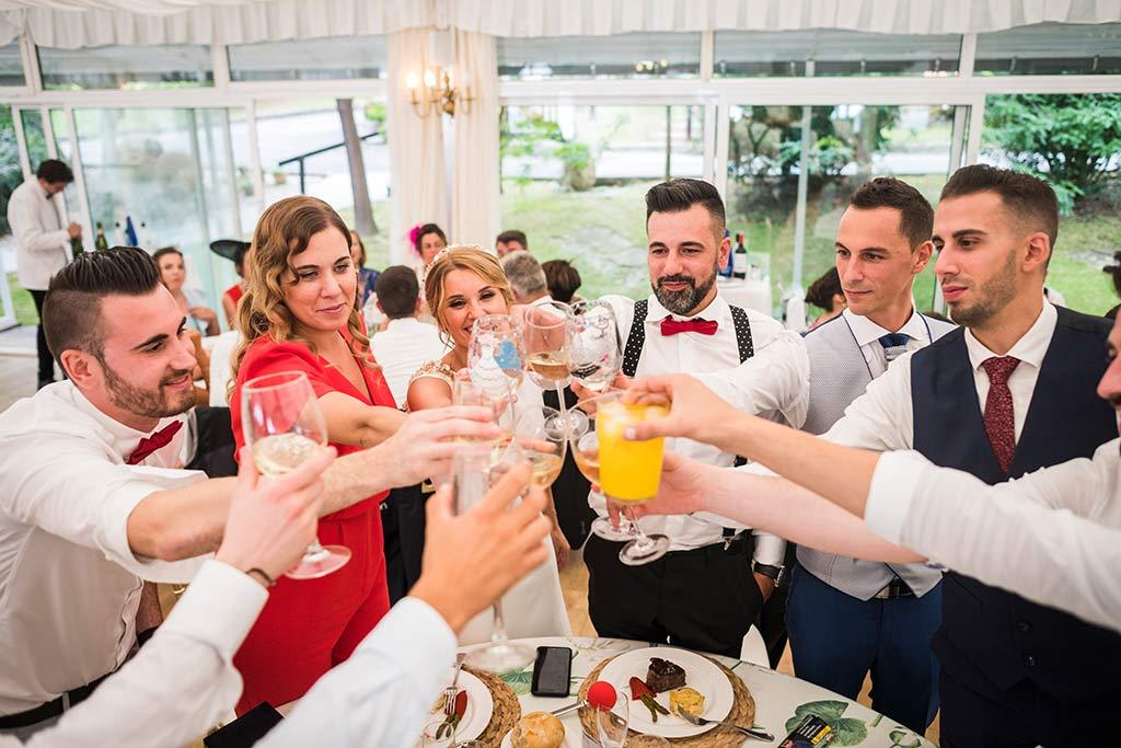 Fotógrafo de bodas Cantabria Marcos Greiz Isa Jose amigos