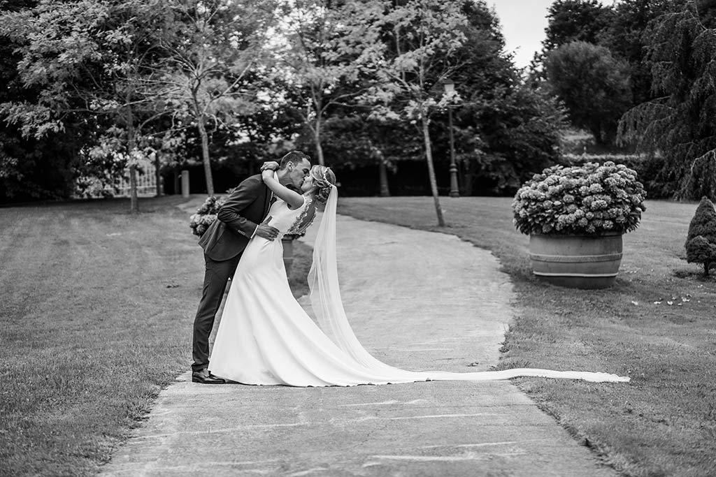 Fotógrafo de bodas Cantabria Marcos Greiz Isa Jose beso