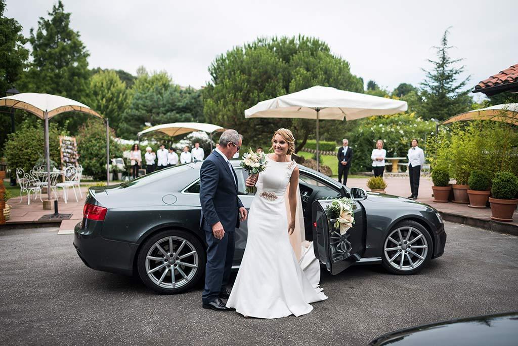 Fotógrafo de bodas Cantabria Marcos Greiz Isa Jose coche
