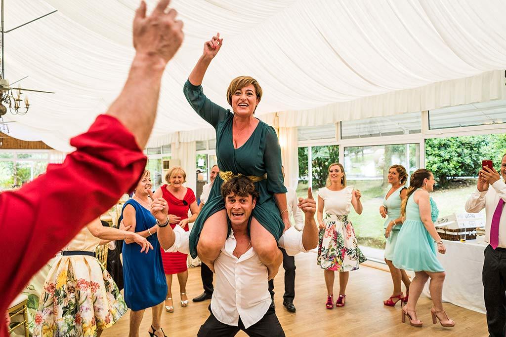 Fotógrafo de bodas Cantabria Marcos Greiz Isa Jose invitados