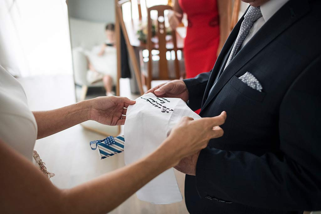Fotógrafo de bodas Cantabria Marcos Greiz Isa Jose pañuelo
