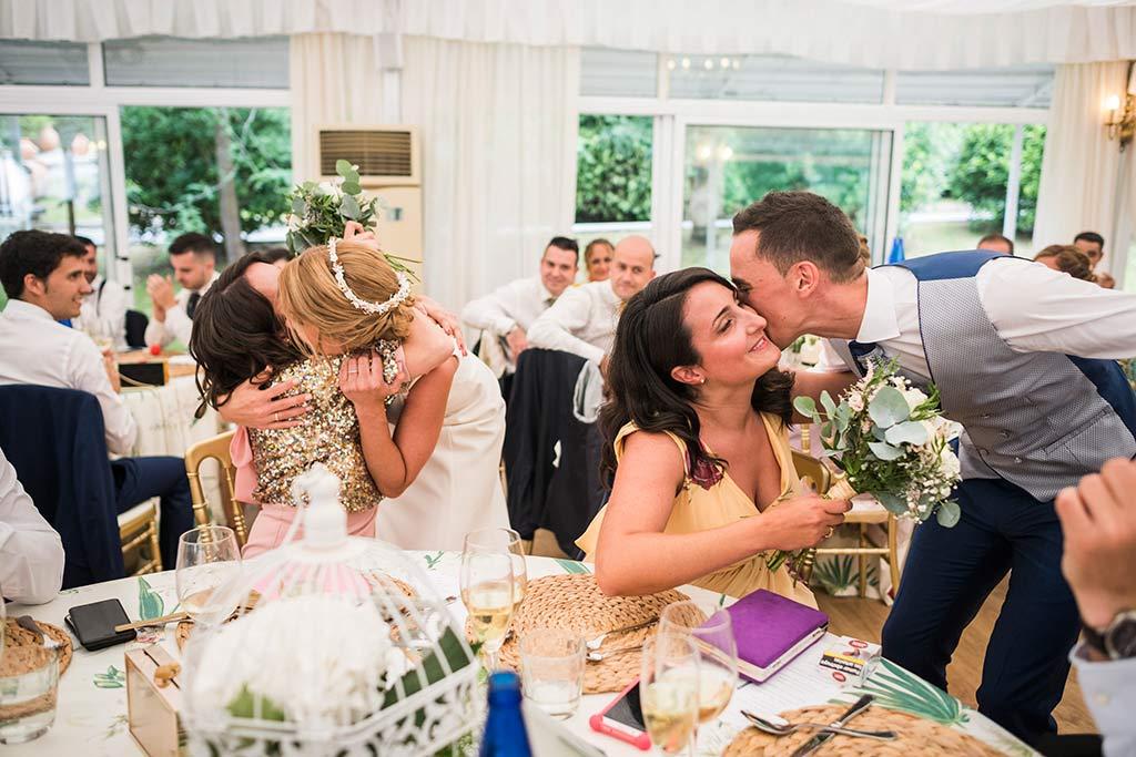 Fotógrafo de bodas Cantabria Marcos Greiz Isa Jose amigas