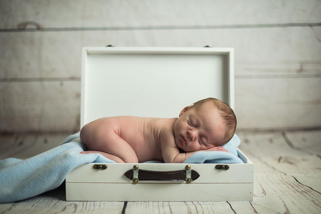 fotos de bebes Santander Oliver maleta