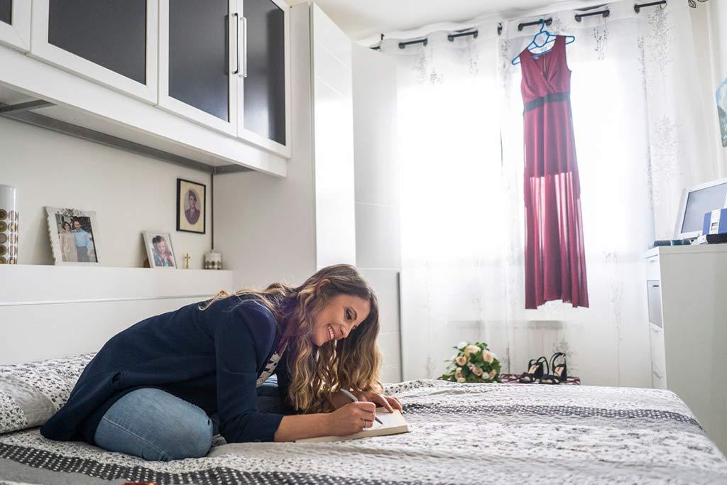 boda íntima en Cantabria Marcos Greiz escribiendo