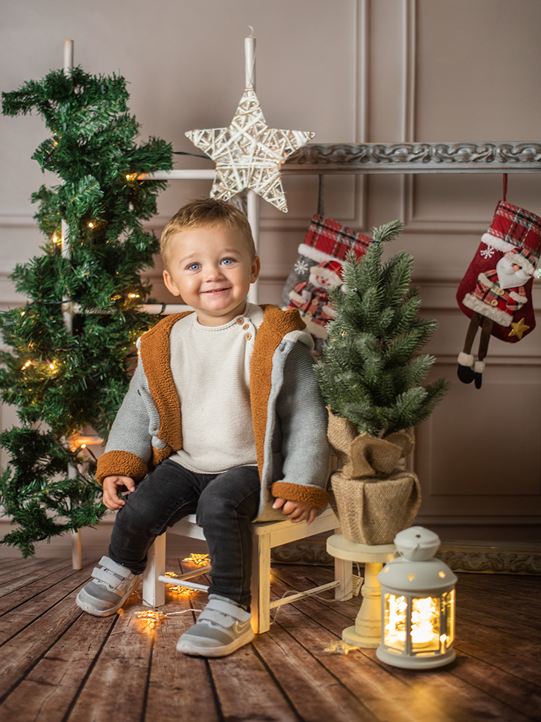 mini sesiones de Navidad Marcos Greiz silla
