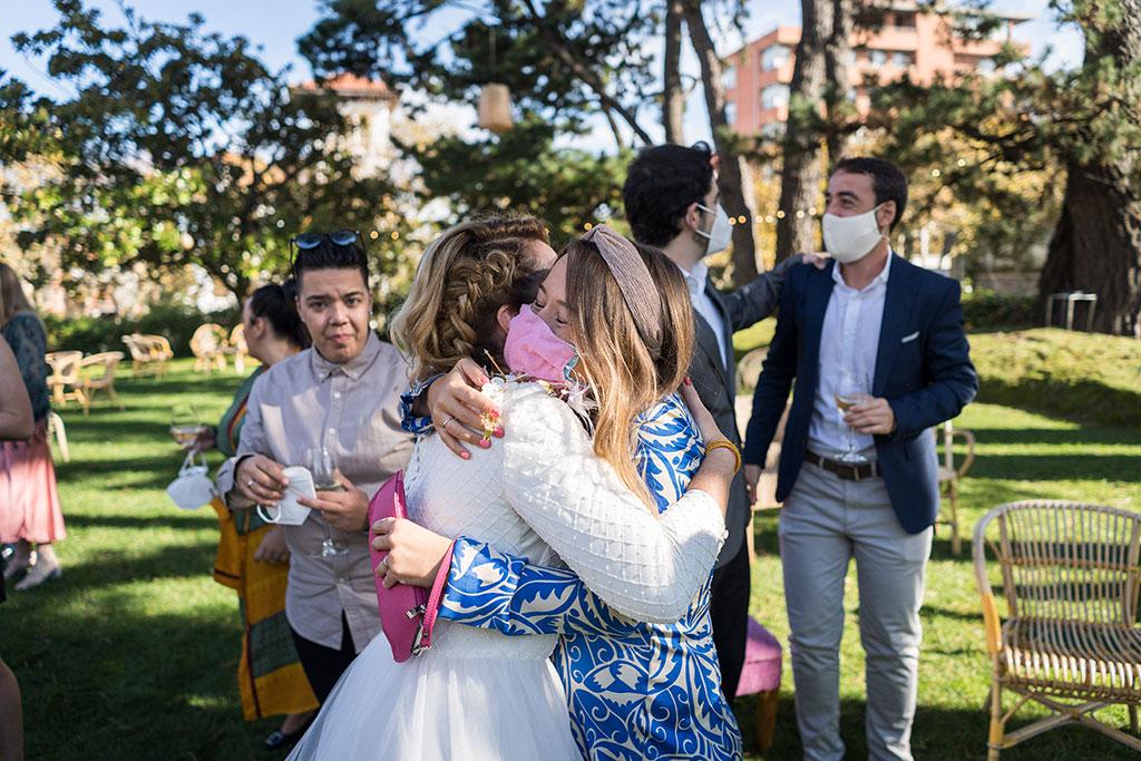 fotógrafo de bodas Cantabria Santander covid19 Marcos Greiz abrazo