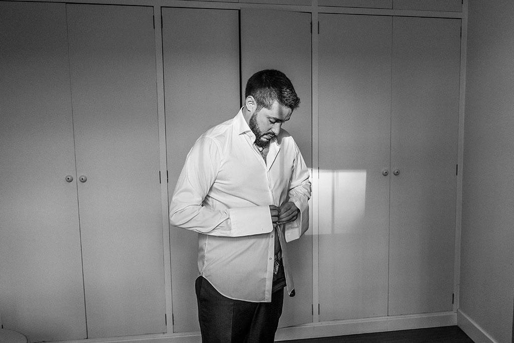 fotógrafo de bodas Cantabria Santander covid19 Marcos Greiz camisa