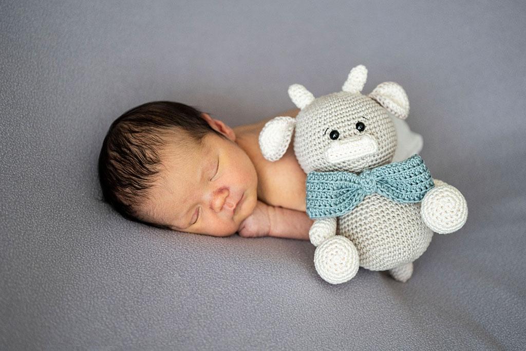 fotógrafo bebes newborn recién nacido Santander muñeco