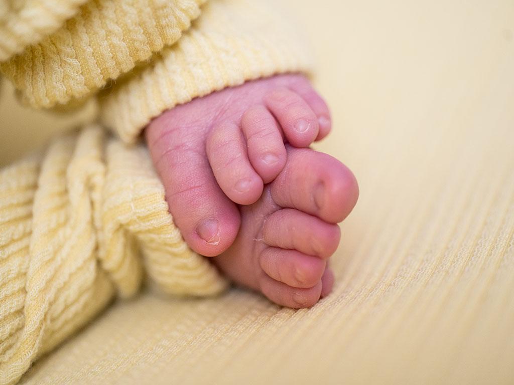 fotógrafo bebes newborn recién nacido Santander pies