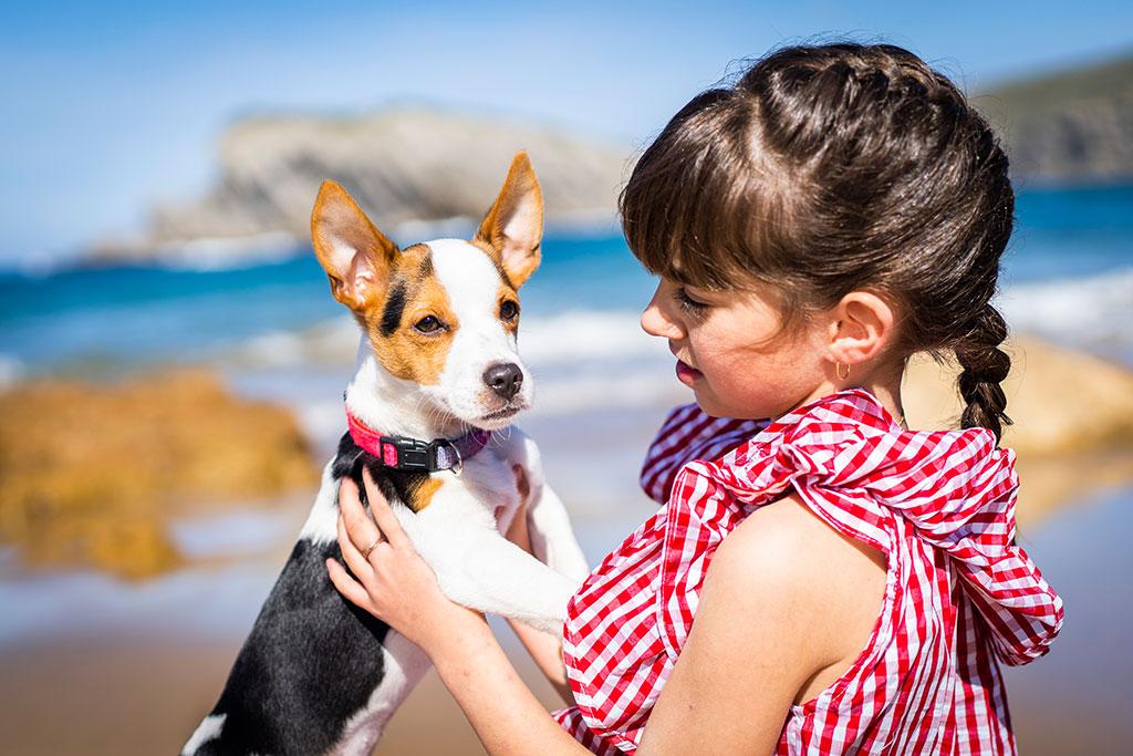 fotografía niños Cantabria Marcos Greiz arnia aldara perro