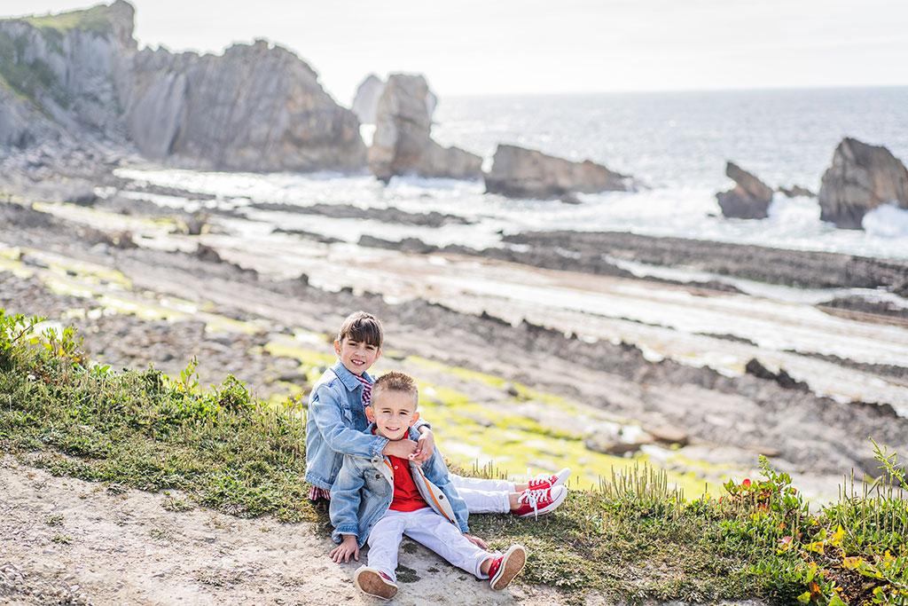 fotografía niños Cantabria Marcos Greiz arnia hermanos