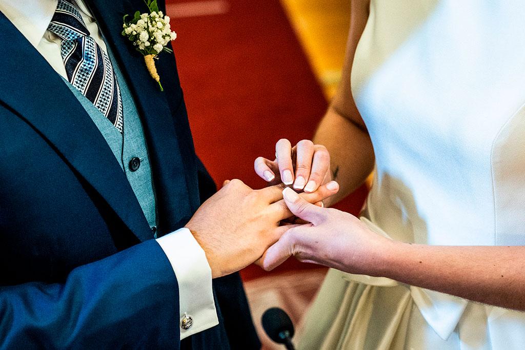fotografo bodas cantabria marcos greiz anillo