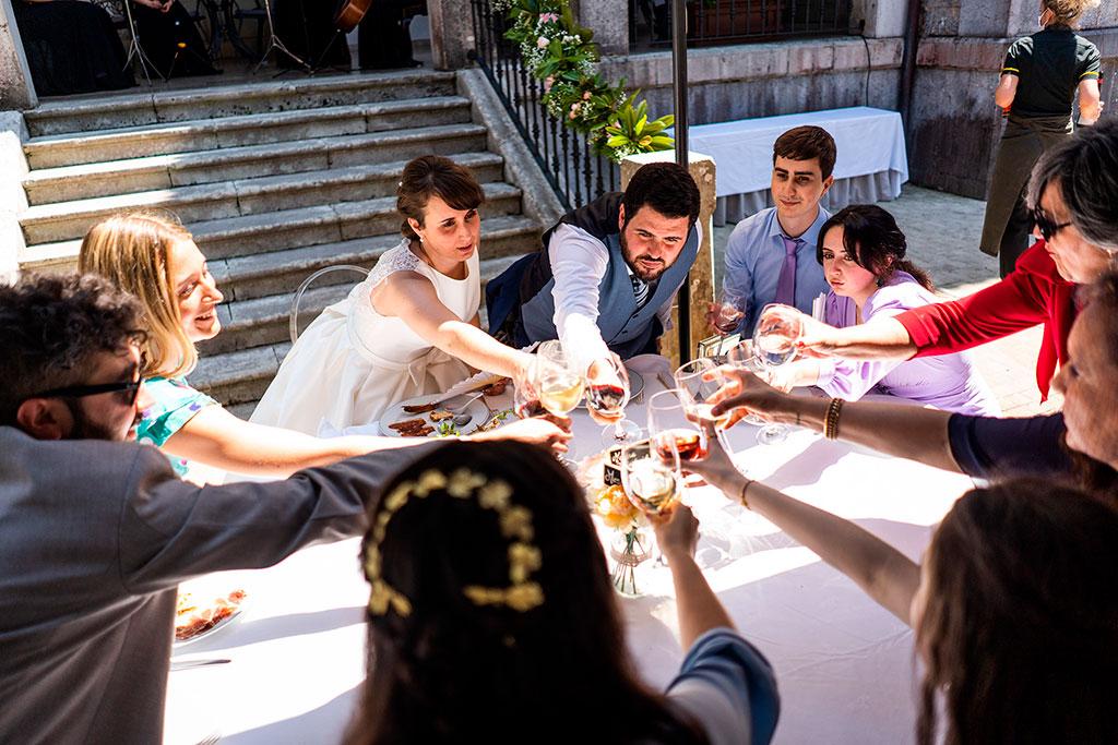 fotografo bodas cantabria marcos greiz brindis